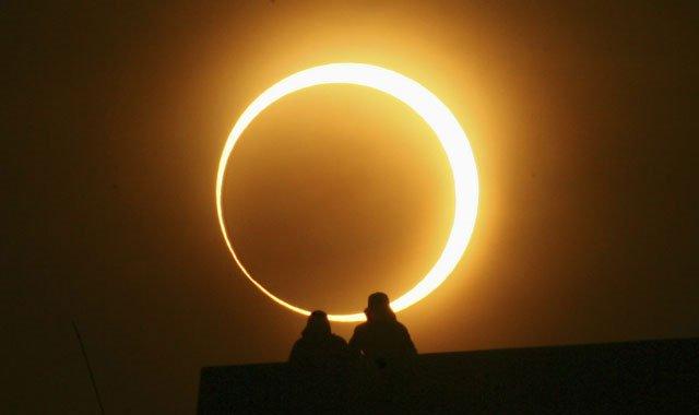 Vòng tròn lửa là hiện tượng gì?